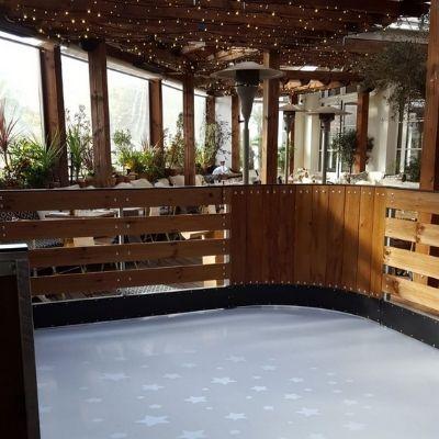 La Brasserie Auteuil et sa patinoire sur le rooftop, une bonne adresse