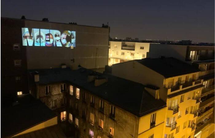 Ils disent merci aux soignants en faisant des projections sur les façades