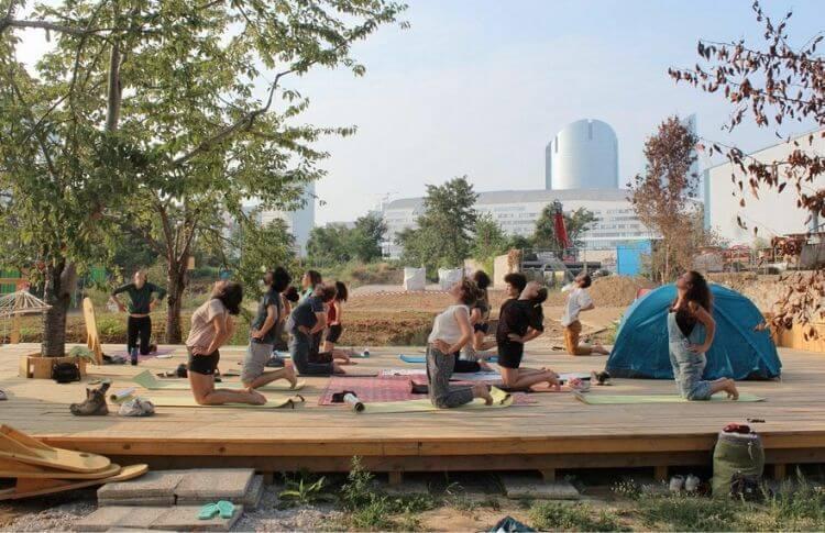 Cours de yoga à Vive les groues