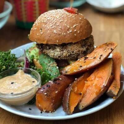 Le burger vegan de Jah Jah by Le Tricycle à Paris